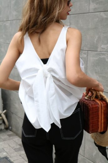 back ribbon design sleeveless tops / white