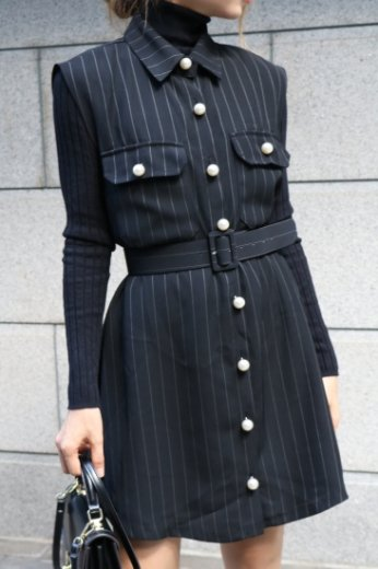 pearl button stripe pattern sleeveless dress (belt set) / black