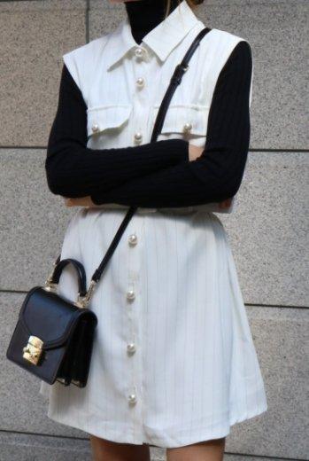 <img class='new_mark_img1' src='https://img.shop-pro.jp/img/new/icons20.gif' style='border:none;display:inline;margin:0px;padding:0px;width:auto;' />pearl button stripe pattern sleeveless dress (belt set) / white