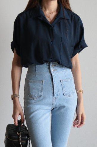 open collar satin blouse / navy