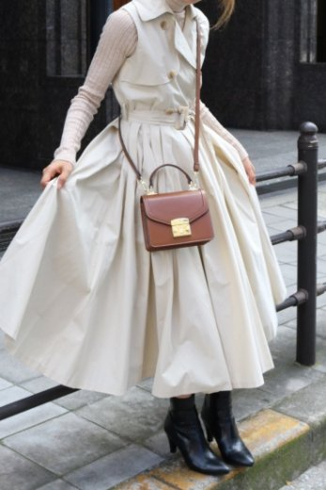 <img class='new_mark_img1' src='https://img.shop-pro.jp/img/new/icons14.gif' style='border:none;display:inline;margin:0px;padding:0px;width:auto;' />napoleon collar sleeveless wrap flare dress (belt set) / beige