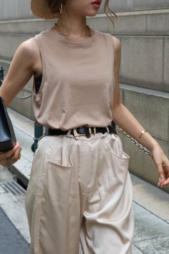 round neck tank tops / brown