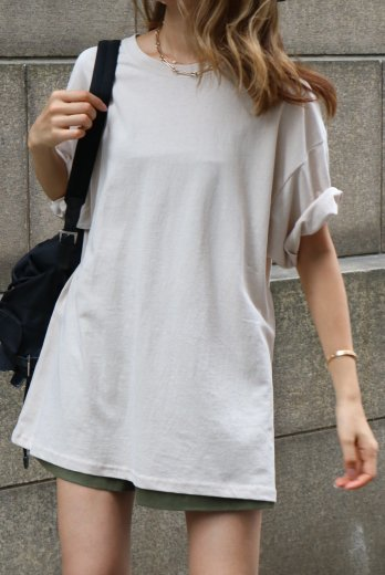 back embroidery design big silhouette tee / beige