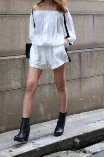 2way offshoulder blouson & wide short pants set up / white