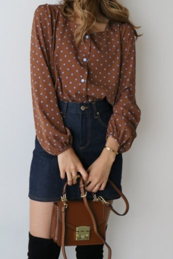 heart cut neck color dot pattern blouse / brown