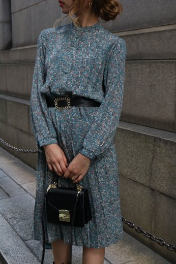 【vintage】stand collar front tuck design paisley pattern pleats dress