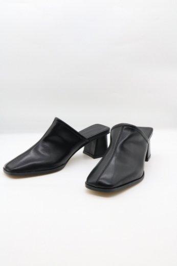 【PREーORDER 9/30(月)23:59まで】square toe mule