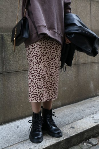 leopard pattern waist gather long tight skirt / brown