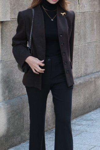 【vintage】Yves Saint Laurent / horse broach back collar jacket / brown