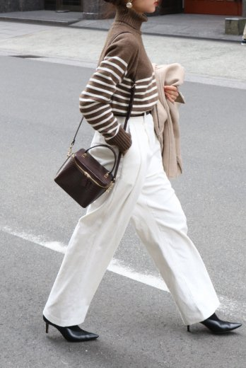 corduroy tuck wide pants / white