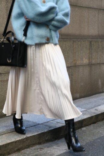 satin like pleats skirt / ivory