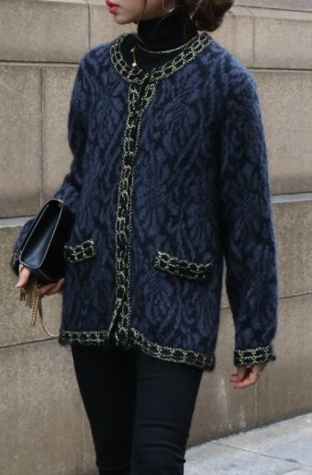 <img class='new_mark_img1' src='https://img.shop-pro.jp/img/new/icons14.gif' style='border:none;display:inline;margin:0px;padding:0px;width:auto;' />【vintage】gold thread piping wool cardigan