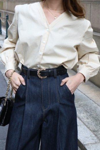 V neck back gather design cotton blouse / beige