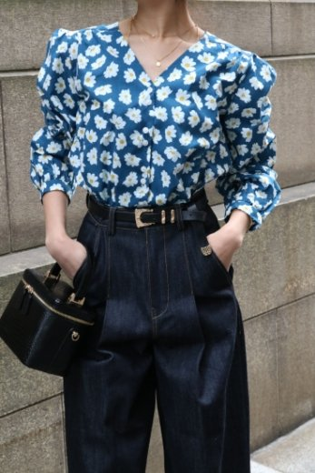 V neck puff sleeves daisy blouse / navy