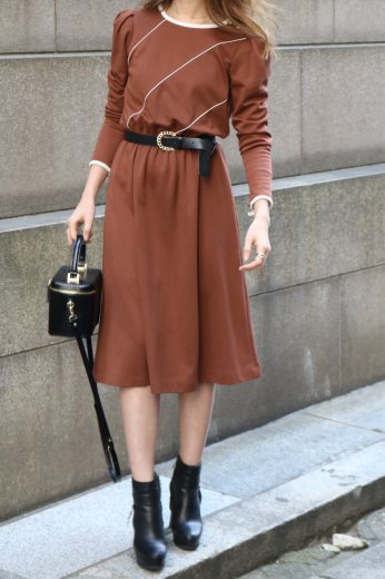 【vintage】round neck puff sleeves piping flare dress