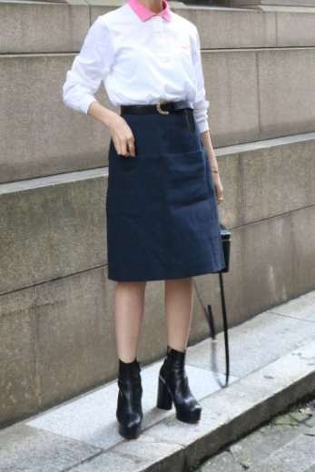 <img class='new_mark_img1' src='https://img.shop-pro.jp/img/new/icons14.gif' style='border:none;display:inline;margin:0px;padding:0px;width:auto;' />【vintage】FENDI / red piping denim skirt