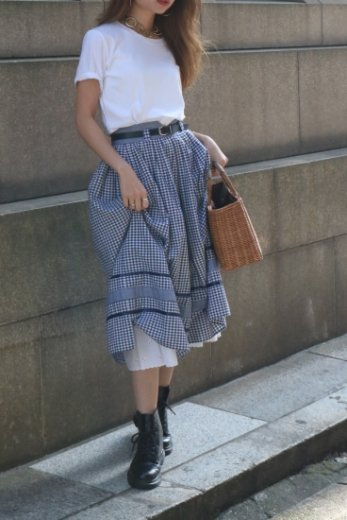 【vintage】90's satin piping check pattern volume flare cotton skirt (belt set)