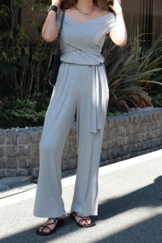 <img class='new_mark_img1' src='https://img.shop-pro.jp/img/new/icons14.gif' style='border:none;display:inline;margin:0px;padding:0px;width:auto;' />2way offshoulder cross rib all in one (belt ribbon set) / gray