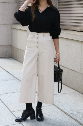 waist adjustment button wide cotton pants / beige
