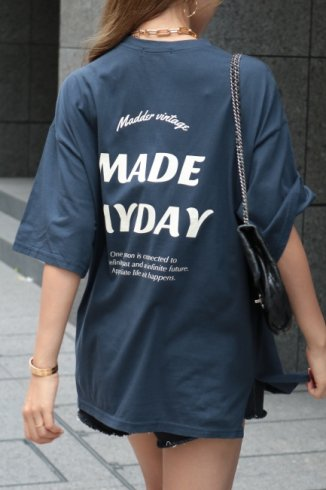 "<img class='new_mark_img1' src='https://img.shop-pro.jp/img/new/icons14.gif' style='border:none;display:inline;margin:0px;padding:0px;width:auto;' />original ""MADE MY DAY"" big silhouette tee / navy"