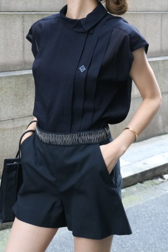 【vintage】Christian Dior / side way collar CD logo embroidery sleeveless blouse