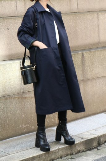 <img class='new_mark_img1' src='https://img.shop-pro.jp/img/new/icons14.gif' style='border:none;display:inline;margin:0px;padding:0px;width:auto;' />cut away collar check pattern cuffs long coat / navy