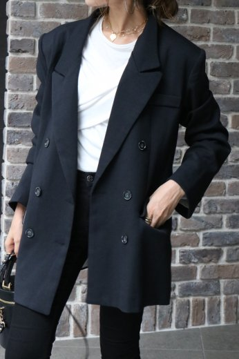 <img class='new_mark_img1' src='https://img.shop-pro.jp/img/new/icons14.gif' style='border:none;display:inline;margin:0px;padding:0px;width:auto;' />notched lapel collar double button jacket / black
