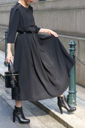 <img class='new_mark_img1' src='https://img.shop-pro.jp/img/new/icons14.gif' style='border:none;display:inline;margin:0px;padding:0px;width:auto;' />square bib collar retro flare dress / black