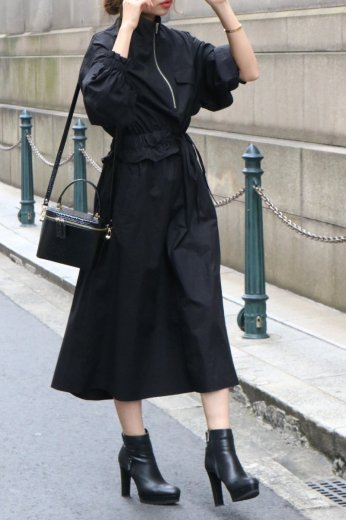 <img class='new_mark_img1' src='https://img.shop-pro.jp/img/new/icons14.gif' style='border:none;display:inline;margin:0px;padding:0px;width:auto;' />high neck zip up asymmetry dress / black