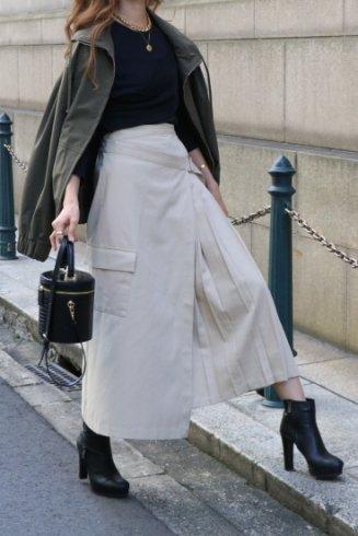 side pleats asymmetry wrap skirt / beige