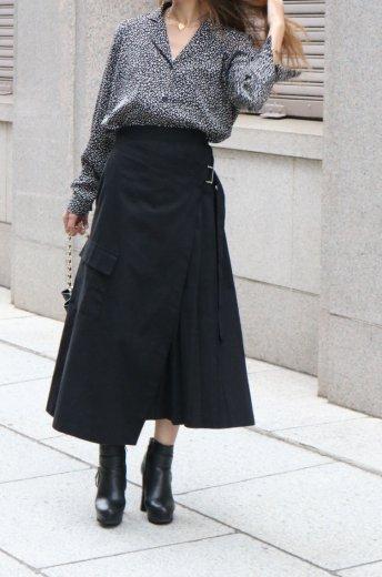 side pleats asymmetry wrap skirt / black
