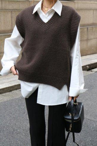 V neck crochet wool vest / brown