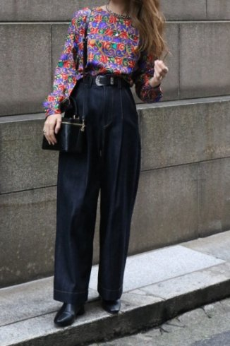 <img class='new_mark_img1' src='https://img.shop-pro.jp/img/new/icons14.gif' style='border:none;display:inline;margin:0px;padding:0px;width:auto;' />【vintage】round neck multi color patterned all over blouse