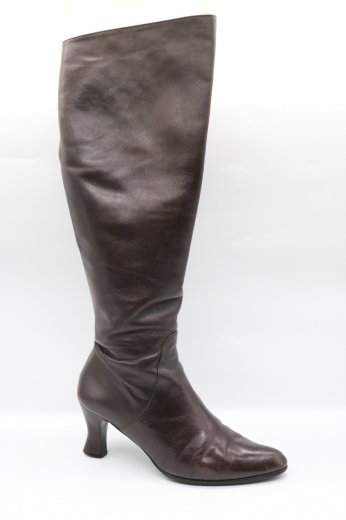 <img class='new_mark_img1' src='https://img.shop-pro.jp/img/new/icons14.gif' style='border:none;display:inline;margin:0px;padding:0px;width:auto;' />【vintage】Yves Saint Laurent / pointed toe long heel boots