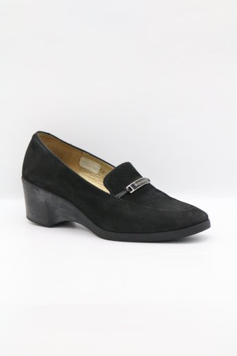 <img class='new_mark_img1' src='https://img.shop-pro.jp/img/new/icons14.gif' style='border:none;display:inline;margin:0px;padding:0px;width:auto;' />【vintage】Yves Saint Laurent / logo plate suede wedge sole pumps