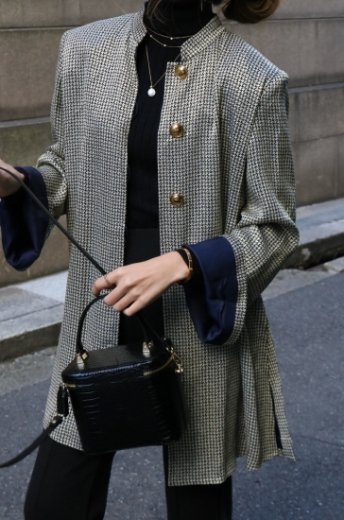<img class='new_mark_img1' src='https://img.shop-pro.jp/img/new/icons14.gif' style='border:none;display:inline;margin:0px;padding:0px;width:auto;' />【vintage】Yves Saint Laurent / gold button hounds tooth pattern jacket & tight skirt  set up