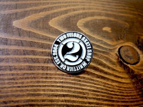 TWO FELONS SKATE SHOP ツーフェロンズ  2FELONS PINS WHITE