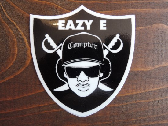 <img class='new_mark_img1' src='//img.shop-pro.jp/img/new/icons15.gif' style='border:none;display:inline;margin:0px;padding:0px;width:auto;' /> EAZY-E Compton Sticker  ステッカーR