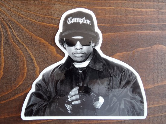 <img class='new_mark_img1' src='//img.shop-pro.jp/img/new/icons15.gif' style='border:none;display:inline;margin:0px;padding:0px;width:auto;' /> EAZY-E   イージーE  STICKER  ステッカー