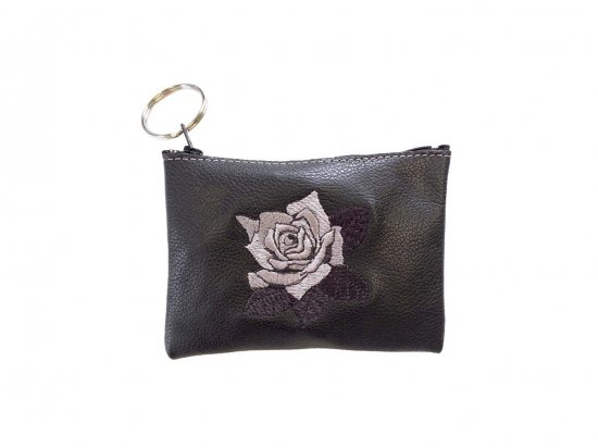 <img class='new_mark_img1' src='https://img.shop-pro.jp/img/new/icons53.gif' style='border:none;display:inline;margin:0px;padding:0px;width:auto;' />LEATHER EMBROIDERED ROSE COIN PURSE  本革 レザー 刺繍ローズポーチ BLACK  USA製