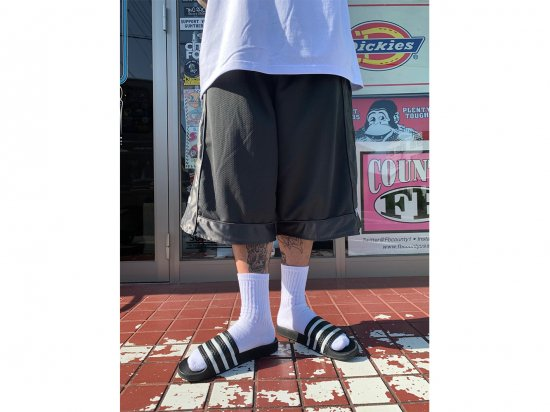 <img class='new_mark_img1' src='https://img.shop-pro.jp/img/new/icons53.gif' style='border:none;display:inline;margin:0px;padding:0px;width:auto;' />MEN'S  CREW  SOCKS   クルーソックス WHITE ホワイト 4足組