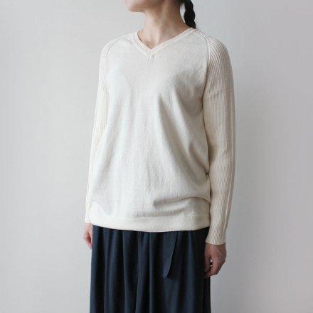 無縫製Vネック リブ袖セーター / オーガニックコットン