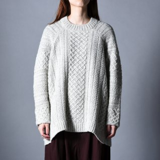 NOT by Ka na ta Aran knit white