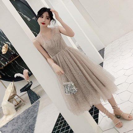 キラキララメ入り シルバーグレーのワンピース ノースリーブ ミモレ丈ドレス 大きいサイズあり