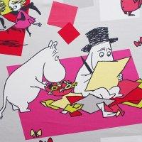 Moomin/ムーミン ファブリック/グレーにピンク 150×104