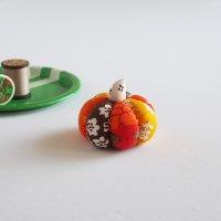 北欧ファブリックのかぼちゃピンクッション/オレンジ B