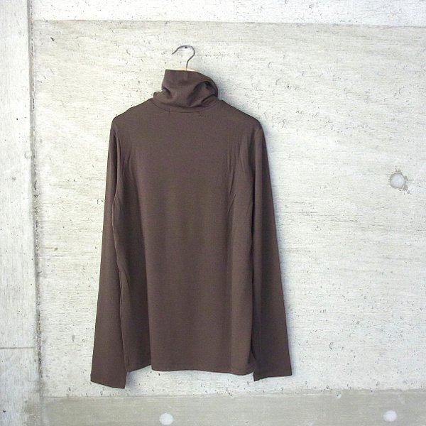 ippei takei | turtleneck long tee(brown)