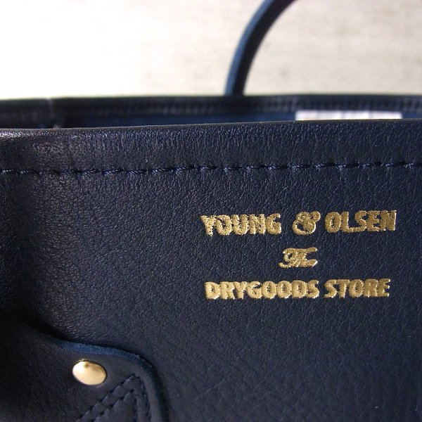 YOUNG & OLSEN The DRYGOODS STORE | EMBOSSED LEATHER TOTE M(NAVY)