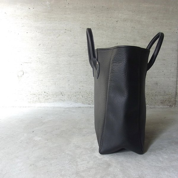 【予約商品】YOUNG & OLSEN The DRYGOODS STORE | EMBOSSED LEATHER TOTE M(BLACK)