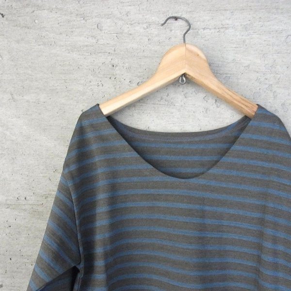 YOUNG & OLSEN The DRYGOODS STORE | VINTAGE STRIPE REAR END TEE(GRAY x BLUE)